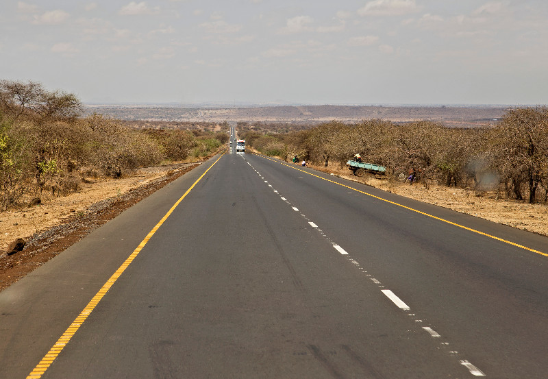 large_Road_out_of_Arusha_1.jpg
