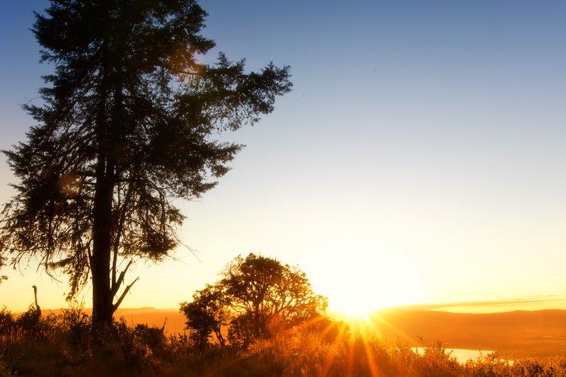 large_Sunrise_ov..ro_Crater_6.jpg