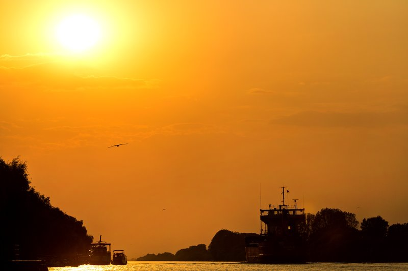 large_Sunset_on_the_Delta_3.jpg