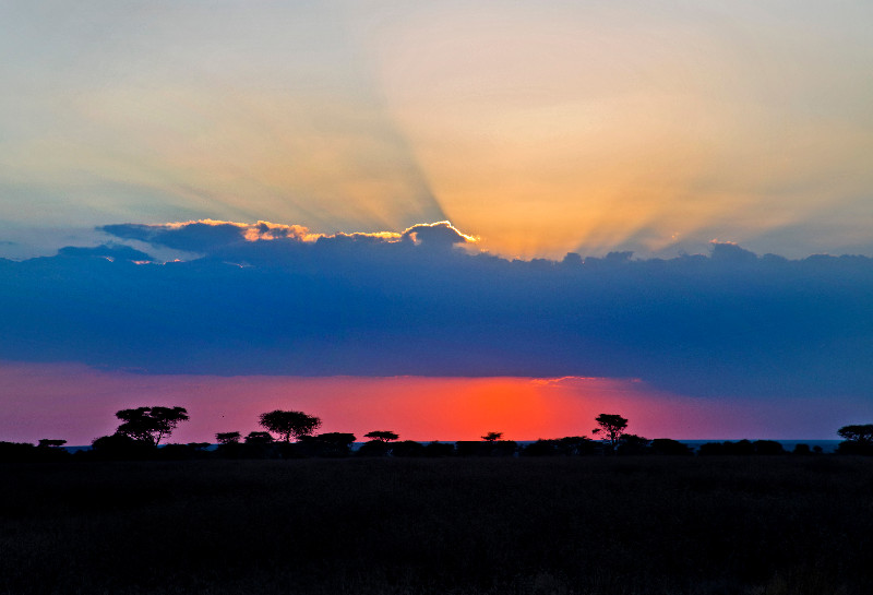 large_Sunset_over_Ndutu.jpg