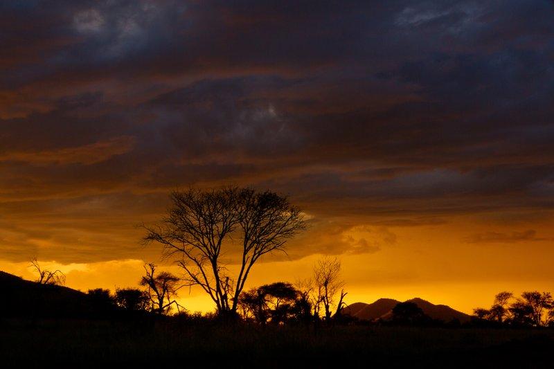 large_Sunset_over_Seronera_14.jpg