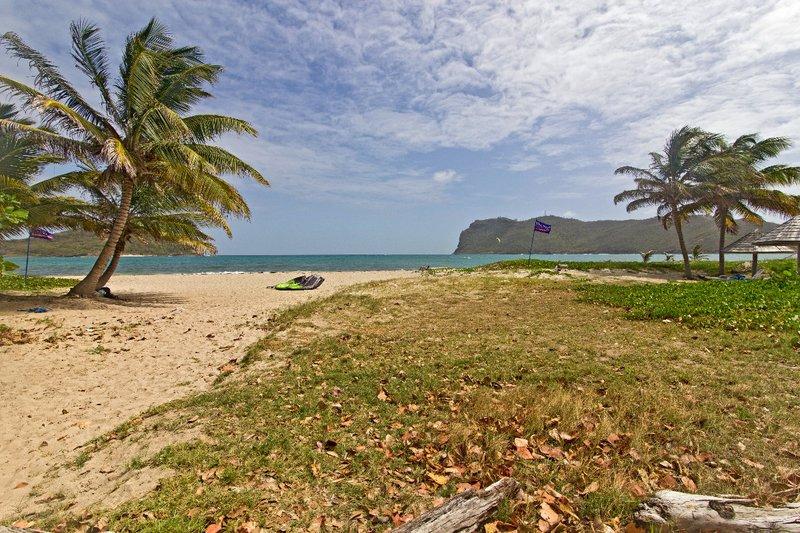 large_The_Reef_Beach_Shack_4.jpg