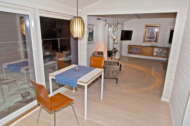 large_Troms__Apartments_15.jpg