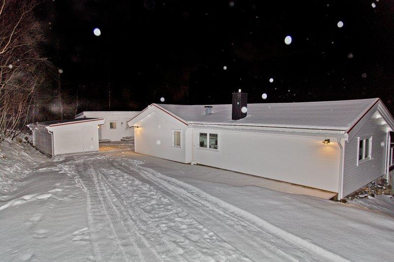 large_Troms__Apartments_20.jpg
