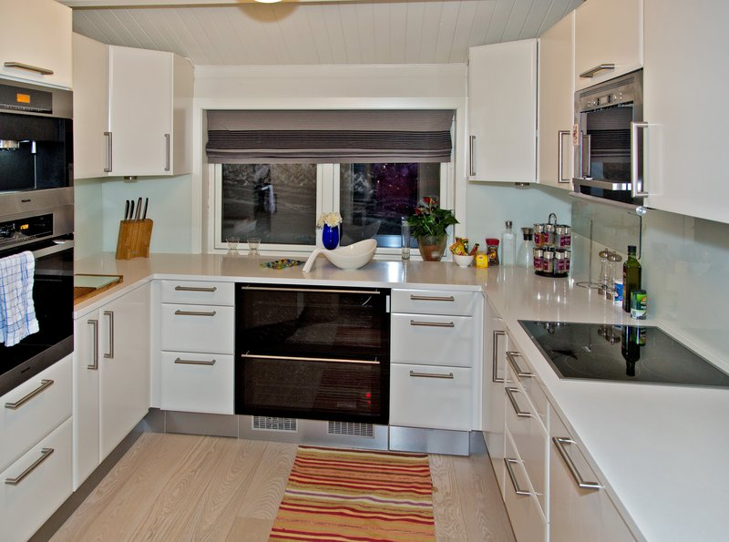 large_Troms__Apartments_3.jpg