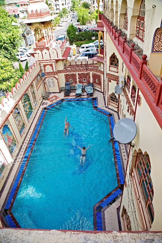 large_Umaid_Bhawan_Pool_1.jpg