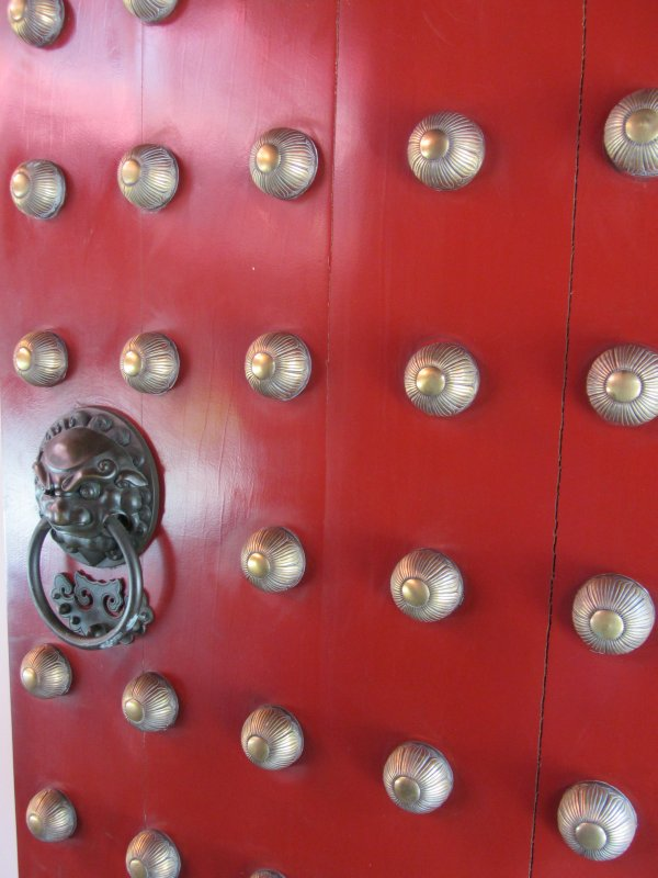 Buddha Tooth Relic Temple Door