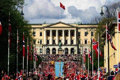 17_ mai i Oslo _s_40-41_