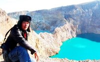 kelimutu lake lores east indonesia