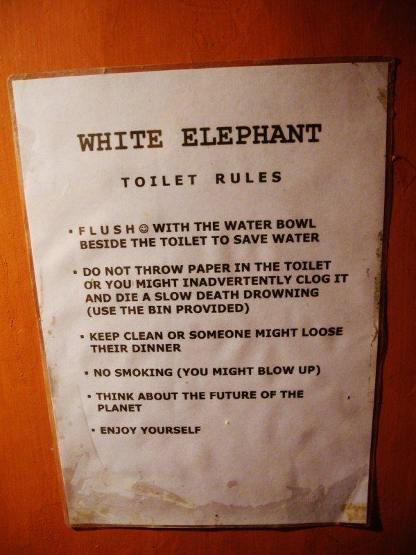 sommige restaurants houden er wel erg grappige huisregels op na...