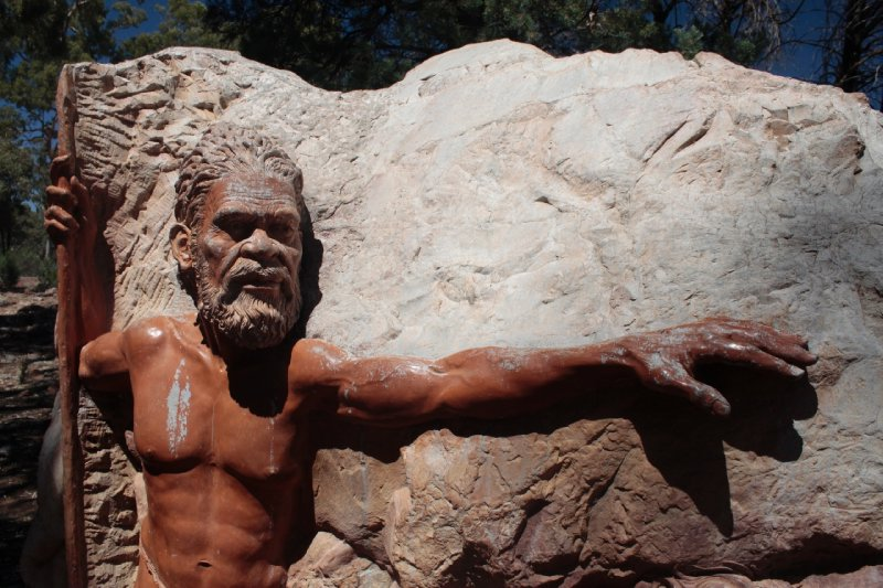 Ook Flinders Ranges en meer bepaald Wilpena Pound hebben een spirituele betekenis voor de lokale Aboriginalgemeenschap: hun overlevering vertelt dat de kloof gevormd zou zijn door twee slangen.