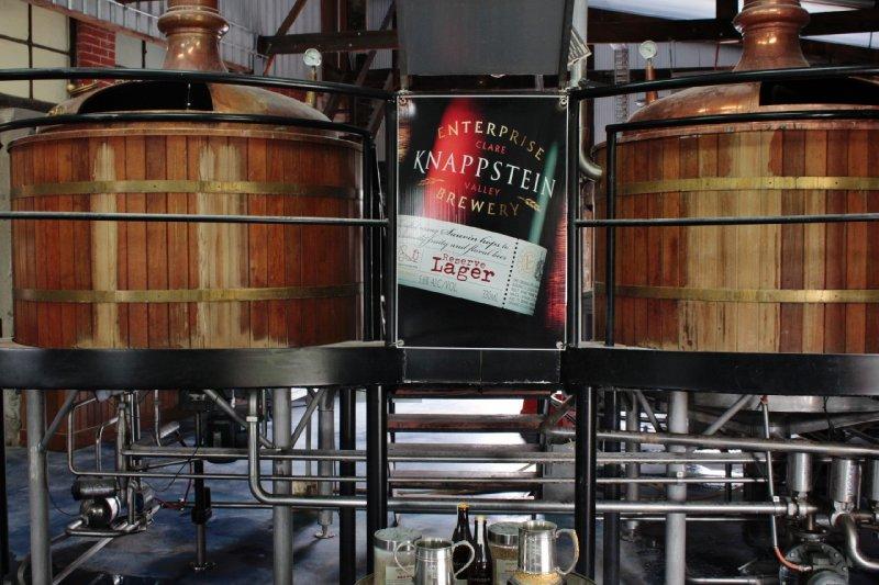 In the Clare Valley maken ze niet enkel wijn, hier en daar zie je ook een bierbrouwsel op de kaart staan, zoals in de Knappstein Brewery & Winery. Verdict: niet slecht en moutig bier met een bittere maar zachte afdronk.