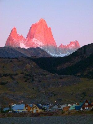 7. El Chalten, red rocks at sun-rise, Argentina