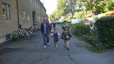 Kos - Lilou første skoledag mor og far