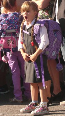 Kos - Lilou første skoledag - kjedeligt å venta...