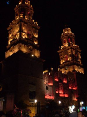 Morelia´s stunning cathedral at night