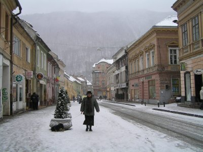 ROMANIA (Brasov) - street in snow