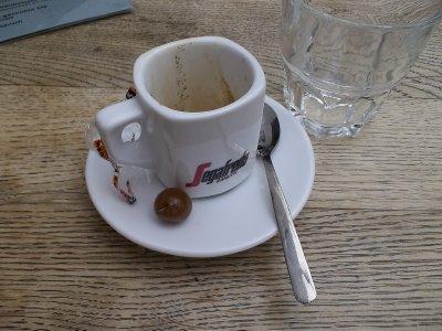 NL_cup of coffee in Den Burg (Texel)