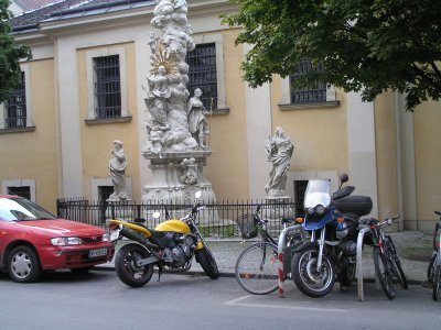 VIENNA_scooters parking near church