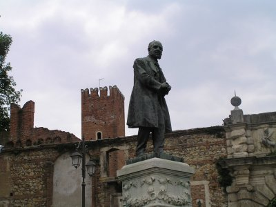 ITALY_Vicenza_Piazza near Teatro Olimpico