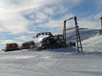 ROMANIA (Sinaia) - snow machines