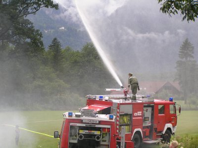 AU_the Fire Brigade of Obertraun entertains children.