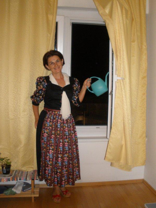 AU_me, dressing dirndl