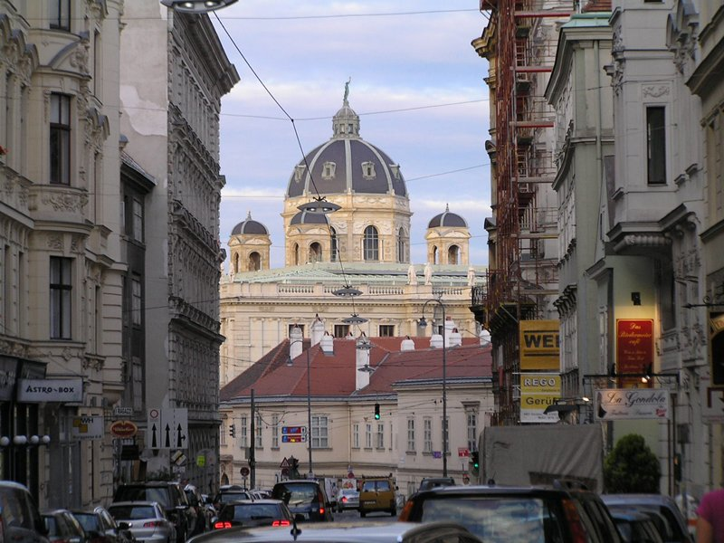 VIENNA_view from Burggasse