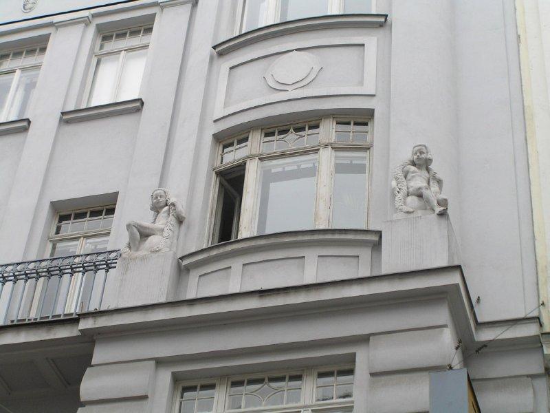 AUSTRIA_ girls in 7th district of Vienna