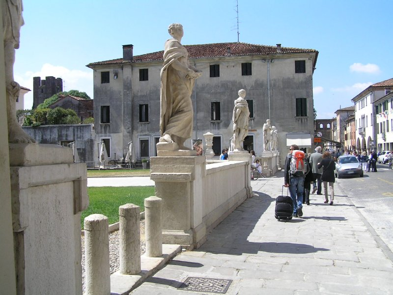 ITALY_Castelfranco Veneto - main street