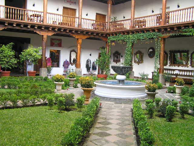 GUATEMALA - Antigua - patio