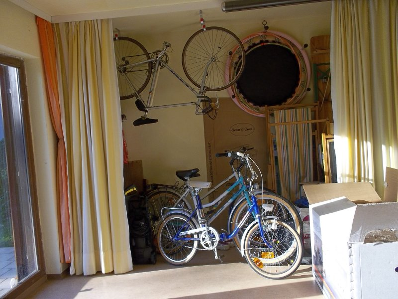 AU_Porrau_bikes in the village.