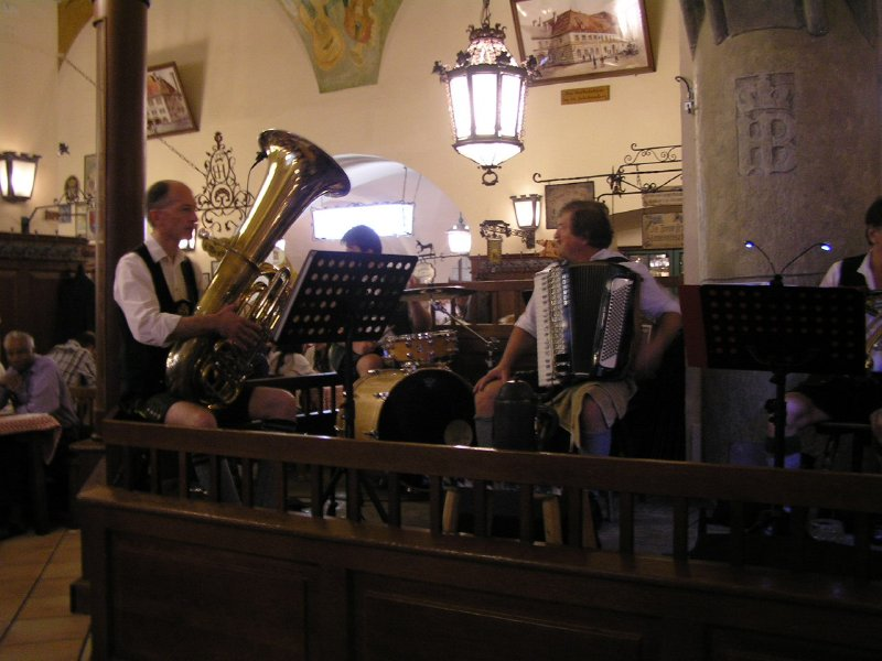 GERMANY_Munich -  the band playing in Hofbräuhaus