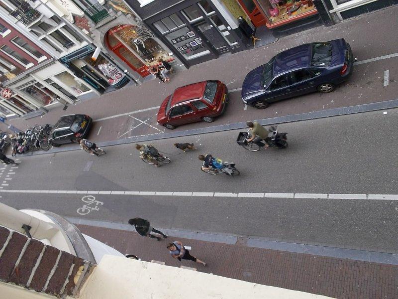 NL_morning in Haarlem Str (Amsterdam)