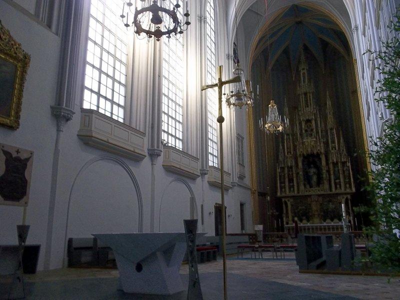 AU_Vienna_Augustinerkirche light