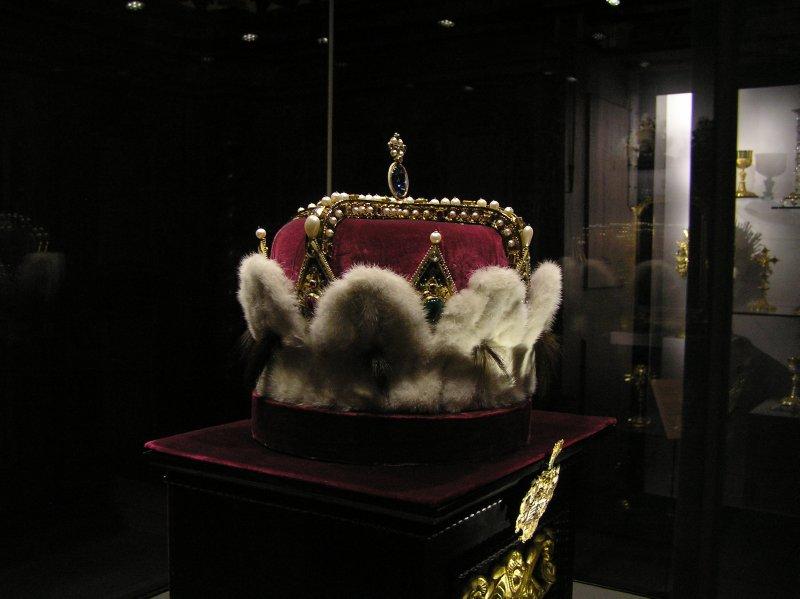 AU_Hungarian Crown in Stift Klosterneuburg