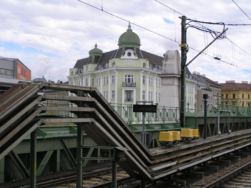 "AU_Vienna_U6, station ""Volksoper"""