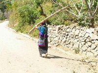 GUATEMALA - Lago Atitlan - woman of Tzununá