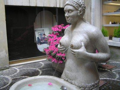 ITALY_Treviso - fontana delle tette