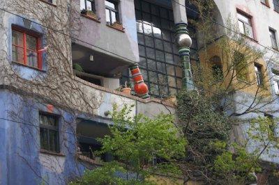 1Hundertwasserhaus3.jpg