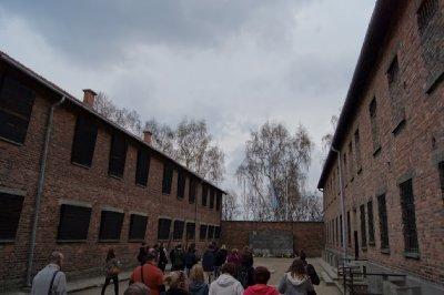 Auschwitz12.jpg