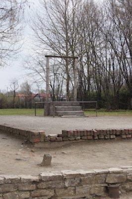 Auschwitz16.jpg
