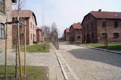 Auschwitz2.jpg