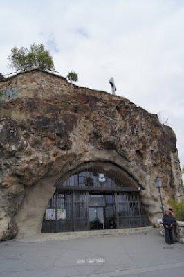 Cave_church.jpg