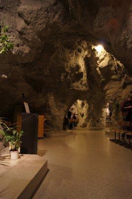 Cave_church3.jpg