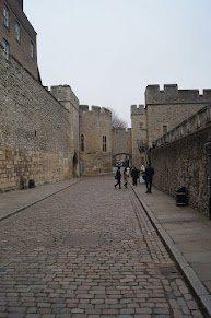 Tower_of_London.jpg