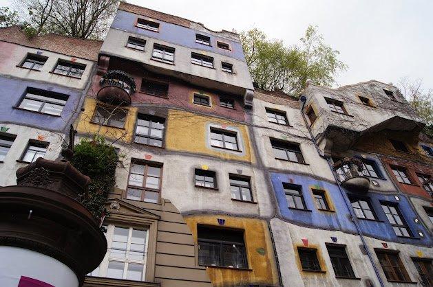 large_1Hundertwasserhaus2.jpg