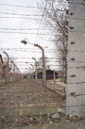 Auschwitz28