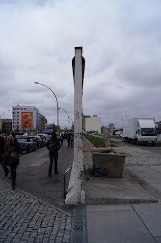 large_Berlin_Wall2.jpg
