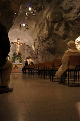 large_Cave_church2.jpg